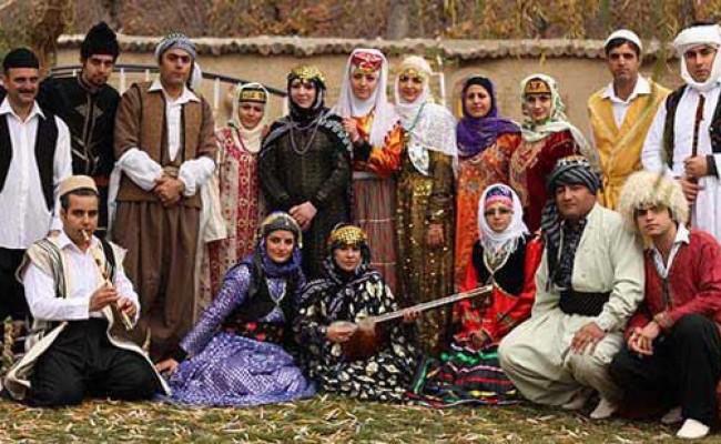 ریشه یابی البسه اقوام ایرانی